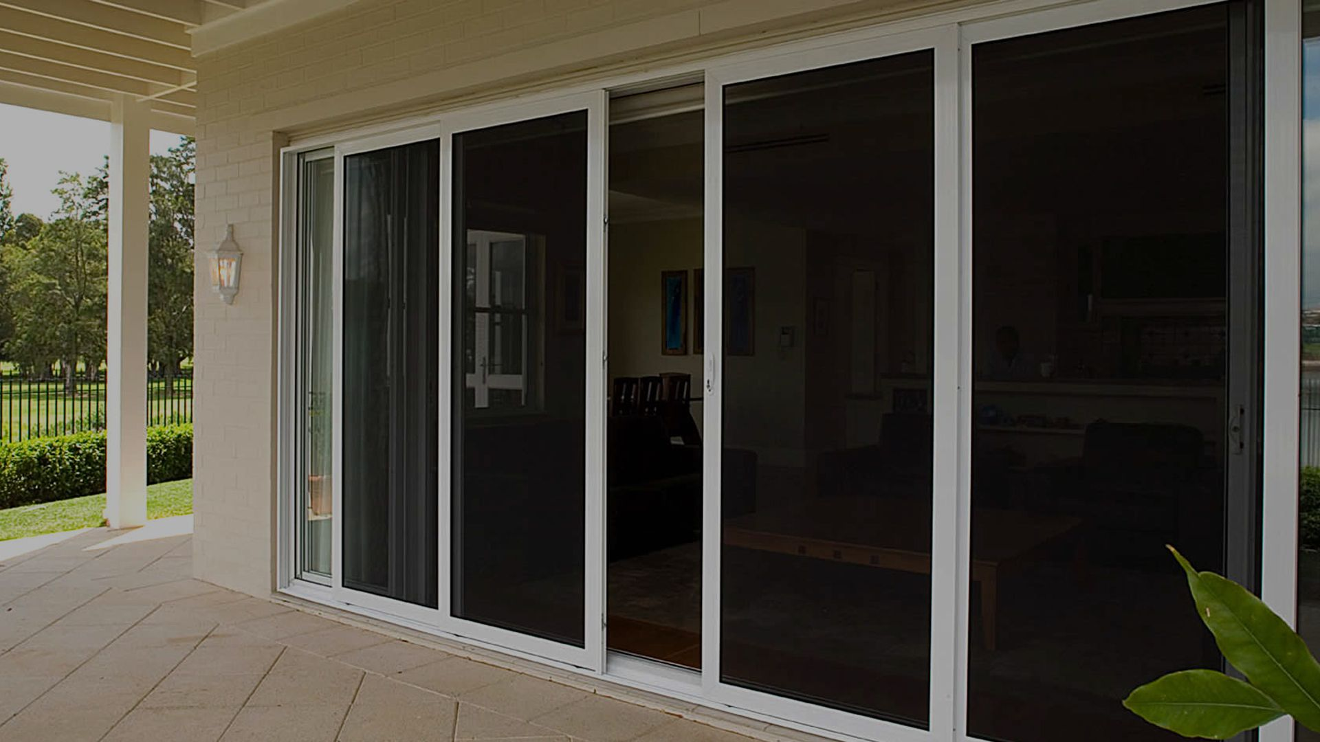 Sliding door screen sliding screen door magnetic fly for Best sliding screen door